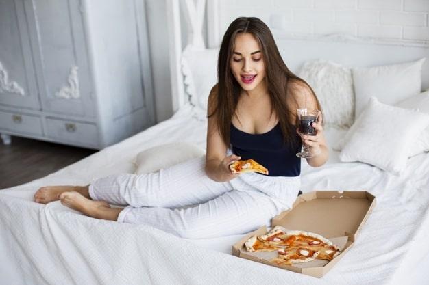 Кілька секретів піцерії Піца Хата з приготування піци